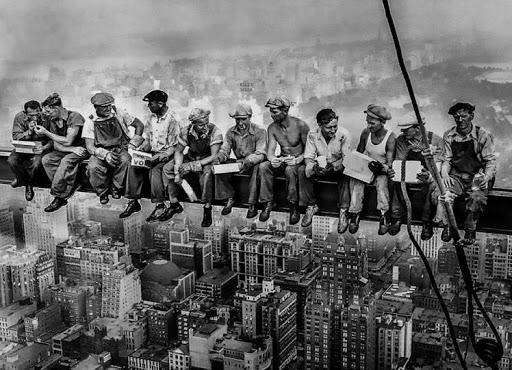 Sin título-1 11-09-2021 - Trabajadores en un rascacielos de New York, año 1900
