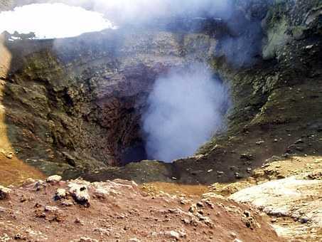volcano-723__340