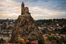 8. Capilla-de-Saint-Michel-d'Aiguilhe-Francia-high