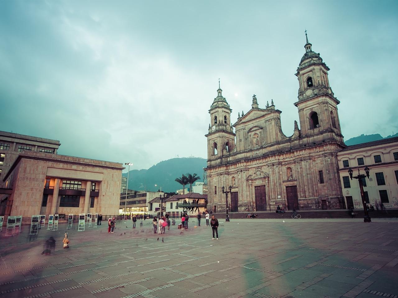 615422120 - main square with church, Bolivar square in Bogota, Colombia, Latin America