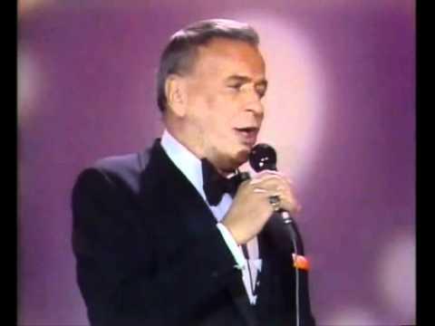 Frank Sinatra and Jose Jose - New York New York